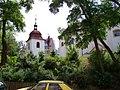 Kostel svatého Pankráce se zvonicí, od Sinkulovy.jpg