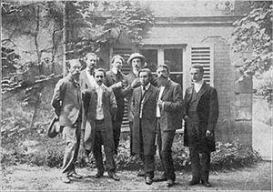 Proto-Cubism - Abbaye de Créteil, ca.1908. First row: Charles Vildrac, René Arcos, Albert Gleizes, Barzun, Alexandre Mercereau. Second row: Georges Duhamel, Berthold Mahn, d'Otémar