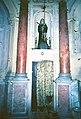 La Cappelletta, 1983, prima dei restauri, la statua di Santa Rita.jpg