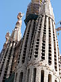 La Sagrada Familia (7852721236).jpg