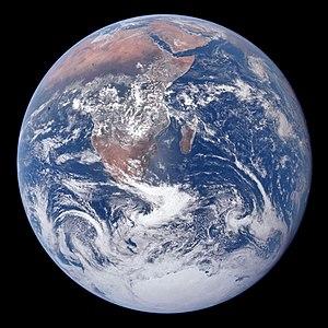La Terre vue de l'Apollo 17.jpg