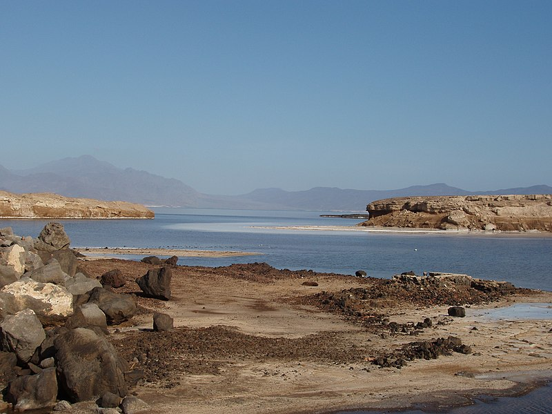 File:Lake Assal 1-Djibouti.jpg