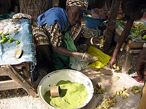 Image:Lalo - Baobab tree dry green leaf powder, Senegal