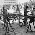 Laswerkplaats op een rommelmarkt met bouwmaterialen - Stichting Nationaal Museum van Wereldculturen - TM-20011884.jpg