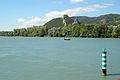 Le Rhône et la montagne St Michel.JPG