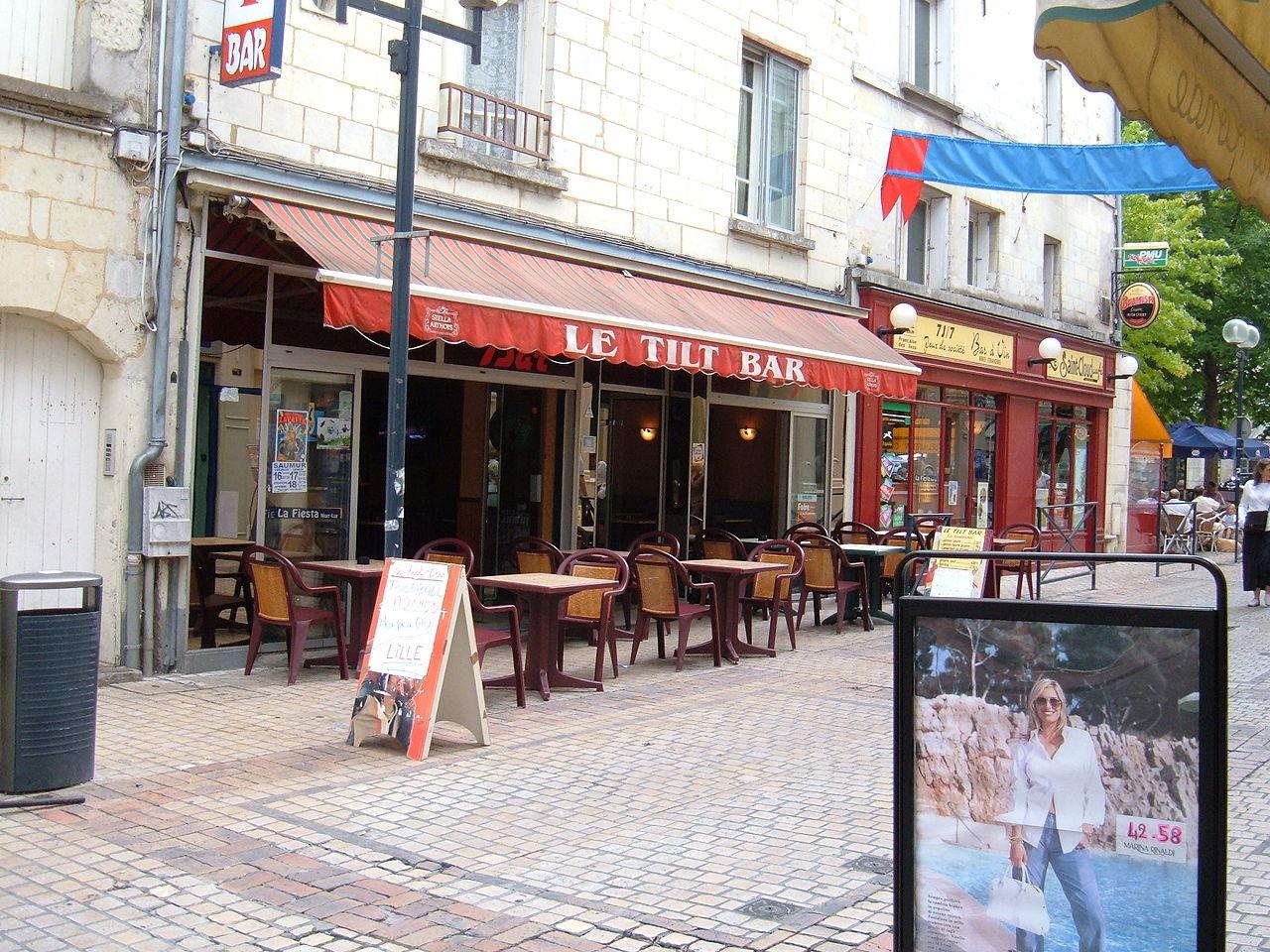 Cafe Bar Rue Constantine A Vichy
