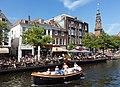 Leiden, het stadhuis RM519571 met terras op boten in de Nieuwe Rijn foto4 2017-06-11 11.34.jpg