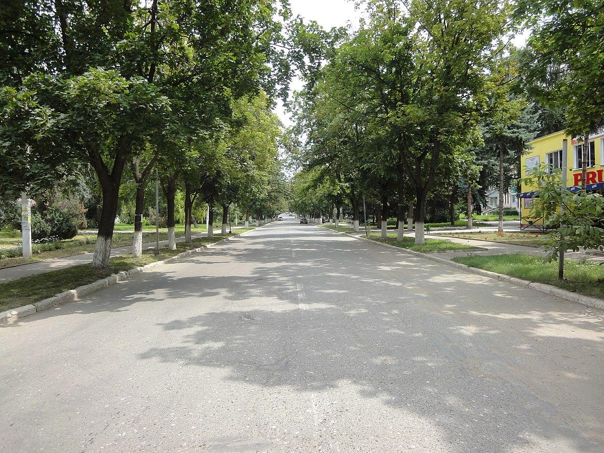 Fete singure din Oradea in cautare de sex la prima intalnire. intalnirifete.com