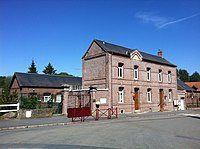 Lesdain city hall.jpg