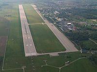 Letiště Pardubice - letecký snímek.jpg