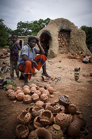 Sud-Ouest Region (Burkina Faso) - Image: Lobi potter