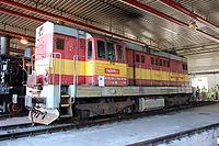 Lokomotivní depo Praha-Vršovice, lokomotiva řady 742 (4).jpg