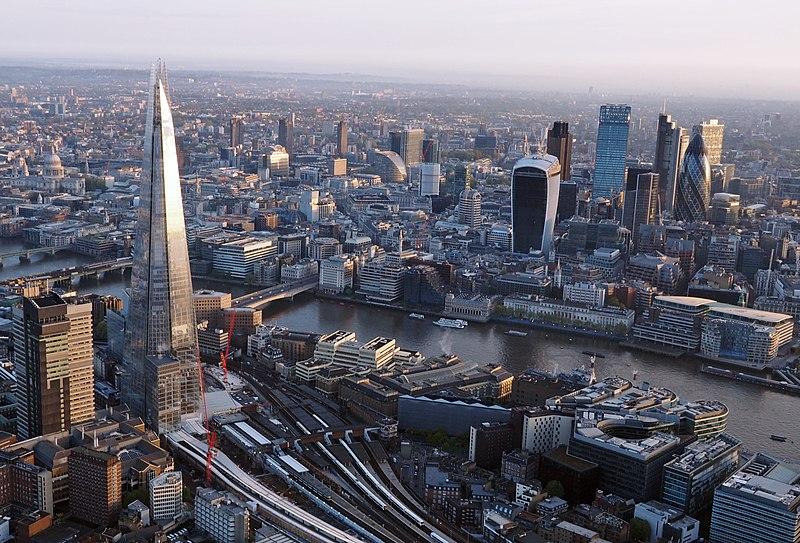 Fichier:London from a hot air balloon.jpg