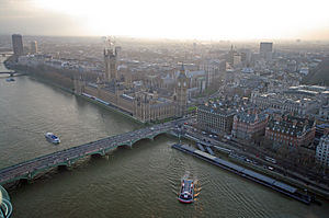 London zum london eye view Palace of Westminster and Thames Clipper.JPG