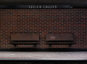 Lucien-L'Allier station (Montreal Metro) - Benches at Lucien-L'Allier station