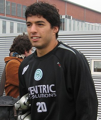 Suarez on the training field of Groningen in 2006 Luis Suarez cropped.jpg