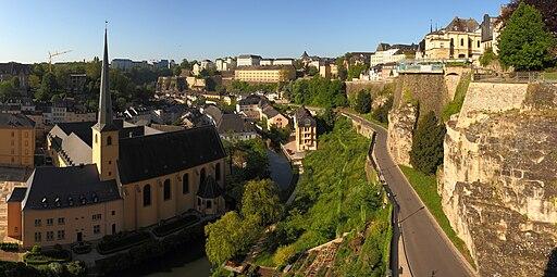 Luxembourg City pano Wikimedia Commons