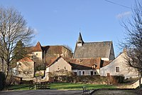 Luzeret (Indre) - Eglise et château.JPG