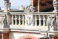 MAN - médaillon et balustrade - N & couronne.jpg