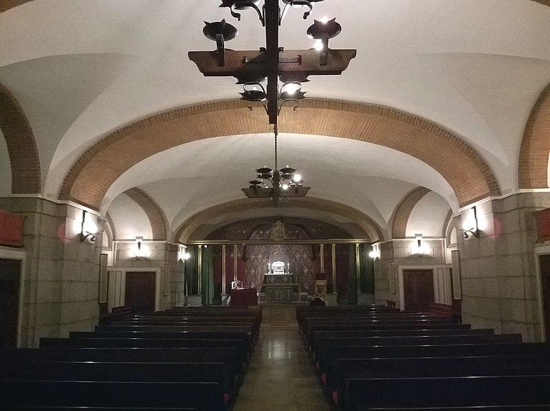 Madrid Basilica Pontificia De San Miguel Crypte 23022016 - panoramio.jpg