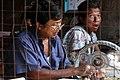 Mandalay-Jademarkt-16-Schleifer-gje.jpg