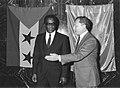 Manuel Pinto da Costa meets Jacques Delors 1986 01.jpg
