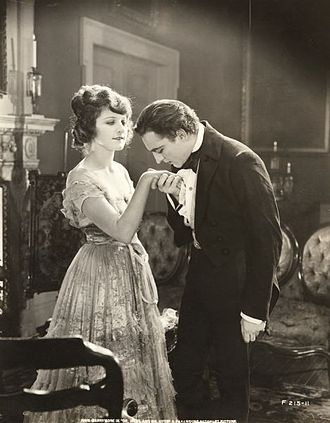 Dr. Jekyll and Mr. Hyde (1920 Paramount film) - Dr. Jekyll with his fiancée Millicent (Martha Mansfield)