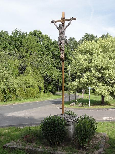 Mauregny-en-Haye (Aisne) croix de chemin est