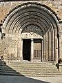 Mauriac, basilique ND-des-Miracles, portail.jpg