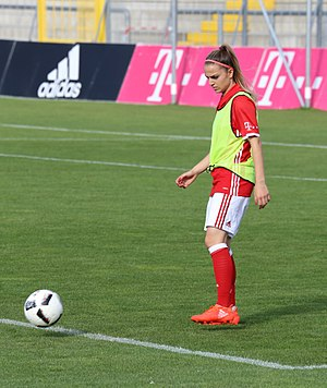 Melike Pekel - Melike Pekel of FC Bayern München, in the warm-up.