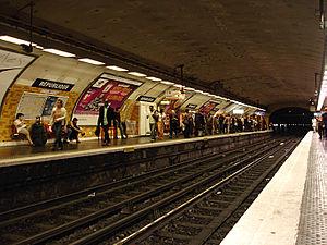 République (Paris Métro) - Image: Metro Paris Ligne 5 station Republique 03