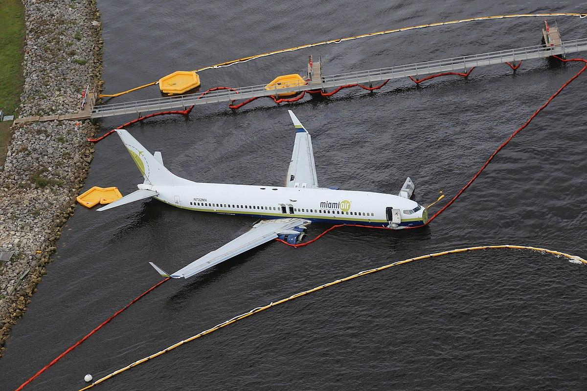 Miami Air Flight 293 - Wikipedia