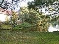 Modliszewice, Wyspa ze stawem fragment kuźni 2014 09 29 by Jacmu.jpg