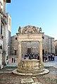 Montepulciano, pozzo de grifi e dei leoni, 1520, 06.jpg