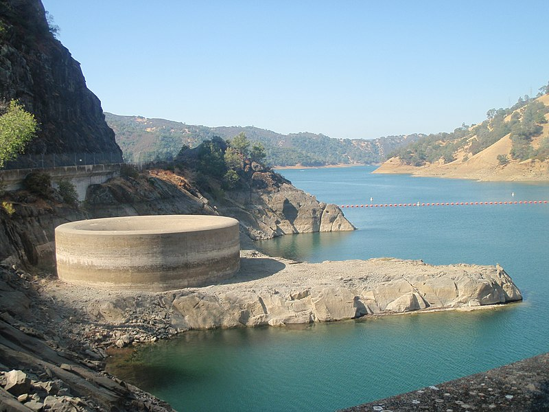 File:Monticellodamgloryhole2009-10-10.JPG