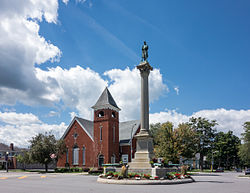 Monument Circle, historic district, Warsaw NY 2013.jpg