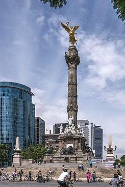 Monumento a la Independencia 2.JPG