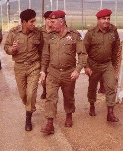רפאל איתן בשנת 1983