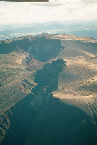 Mount Tarawera - Volcanic crater