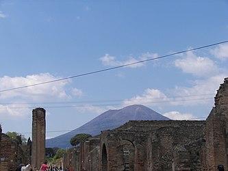 Mount Vesuvius from Pompeii 4.jpg