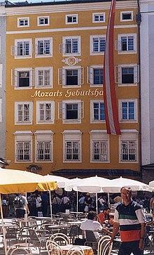 Mozarts Geburtshaus in Salzburg (Quelle: Wikimedia)