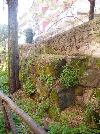 Castra Albana - Southeast side: stretch of the wall on the grounds of the modern Ugo Foscolo state Liceo classico.