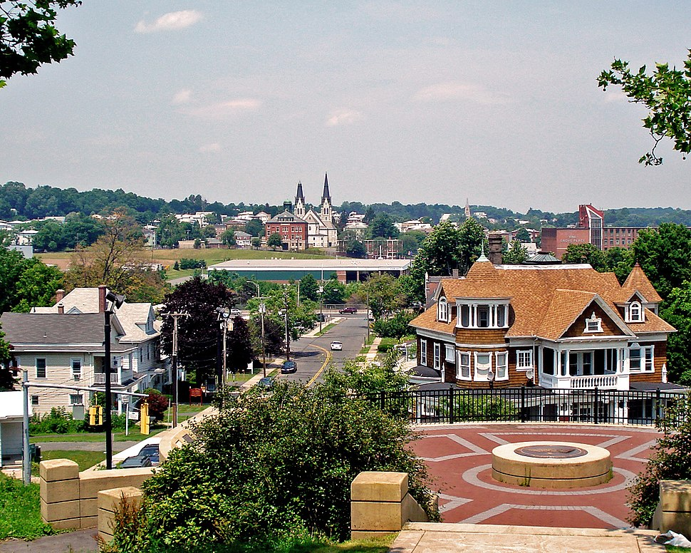 Looking north from Walnut Hill Mansion