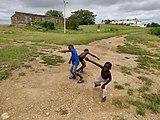 Niños poblado Angola.jpg