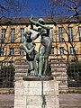 Nymphenbrunnen von Fritz Beck an der Südseite des Telegrafenamtes Augsburg.jpg