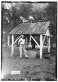 OLD WELL - Hill of Howth, County Road 19, Boligee, Greene County, AL HABS ALA,32-BOLI.V,1-8.tif