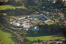 Luchtfoto van het schoolterrein