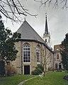 Overzicht oostgevel met zicht op de kerktoren - Brielle - 20332555 - RCE.jpg