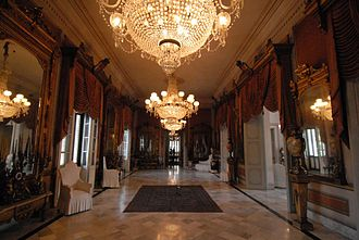 Palacio de los Capitanes Generales - The end of Spanish rule was declared in the Salon de los Espejos in 1899
