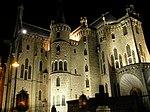 Palacio Episcopal de Astorga de noche.jpg